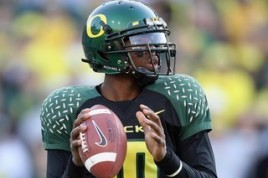 Oregon QB Dennis Dixon in 2007