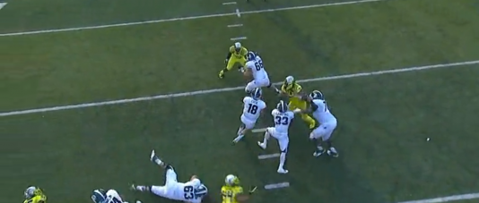 Armstead sheds the block and is within reach of the quarterback.