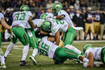 2016 Ducks will play more like this moment from the 2015 victory over Washington