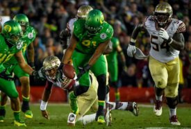 Tony Washington stripped Jameis Winston and sauntered into Oregon lore,